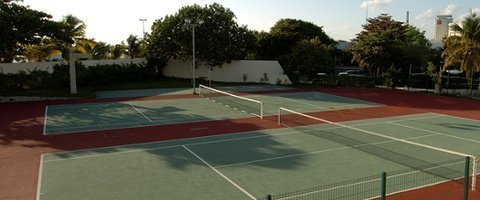 Cancha de tenis Hotel Faranda Dos Playas Cancún